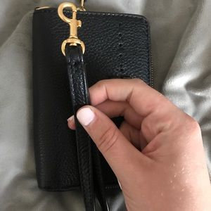 Tory Burch Bags - Tory Burch Wallet with removable wristlet